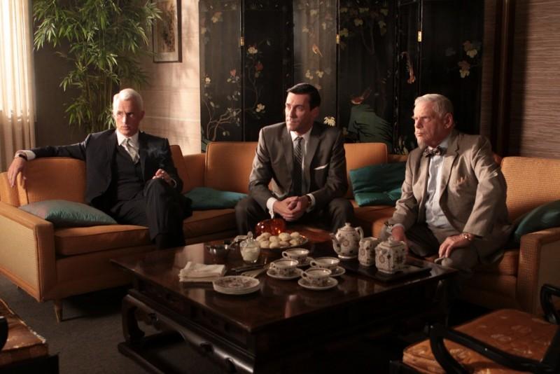 Mad Men: John Slattery, Jon Hamm e Robert Morse nel finale della stagione 3