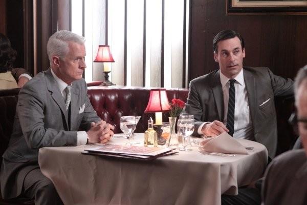 Mad Men: Jon Hamm e John Slattery nell'episodio Love Among the Ruins