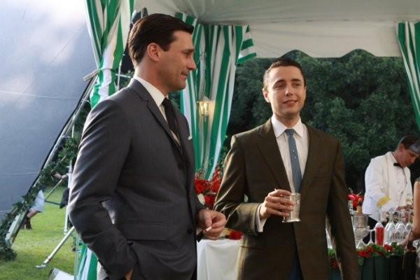 Mad Men: Jon Hamm e Vincent Kartheiser nell'episodio My Old Kentucky Home