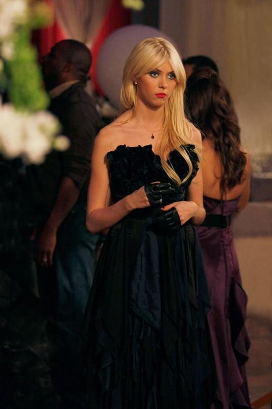 Una sequenza dell'episodio They Shoot Humphreys, Don't They? di Gossip Girl, con Taylor Momsen