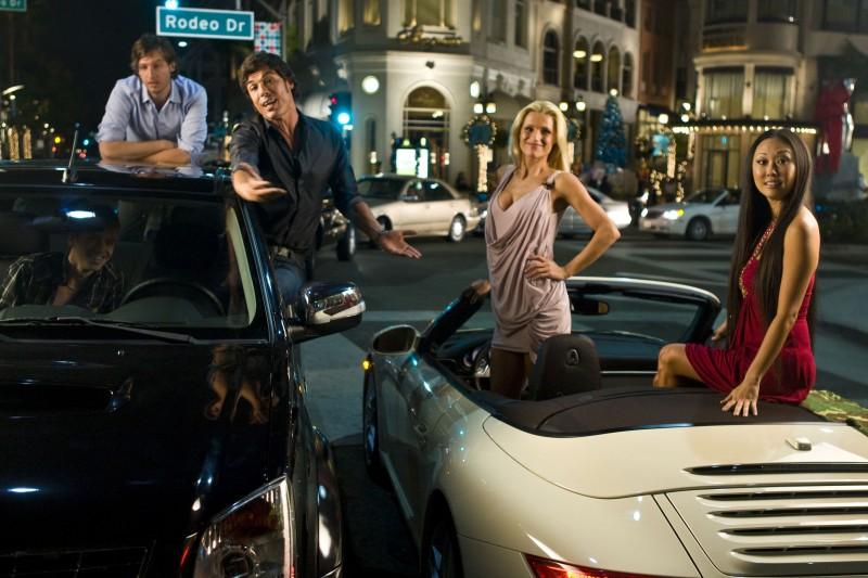 Carlo Corbellini, Alessandro Gassman, Michelle Hunziker e Candace Kita in una scena di Natale a Beverly Hills