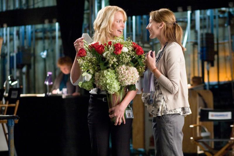 La bella Katherine Heigl appare piacevolmente sorpresa nel film La dura verità (2009)