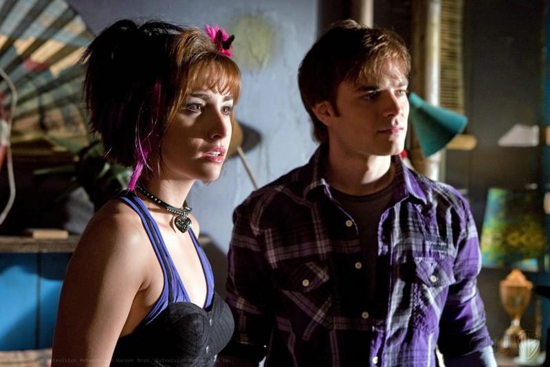 Le guest star David Gallagher e Allison Scagliotti in una scena dell'episodio Idol di Smallville