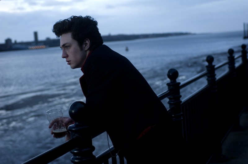 Aaron Johnson in una immagine di Nowhere Boy