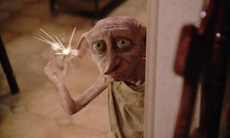 Dobby in una scena del film Harry Potter e la Camera dei Segreti
