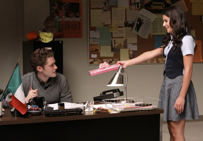 Glee: Matthew Morrison e Lea Michele in una scena dell'episodio Ballads