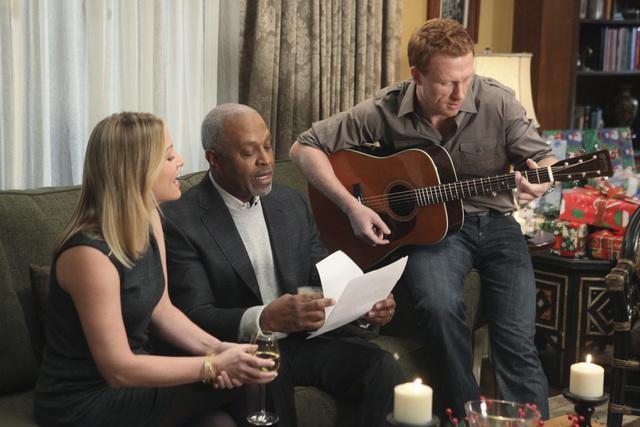 Grey's Anatomy: Jessica Capshaw, James Pickens Jr. e Kevin McKidd nell'episodio Holidaze