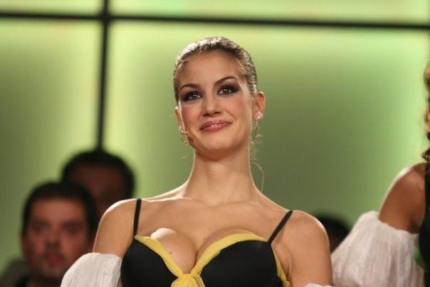 La bella Francesca Fioretti durante lo show Colorado