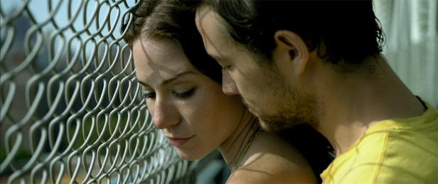 Lynn Collins e Joseph Gordon-Levitt sono i protagonisti del film Uncertainty