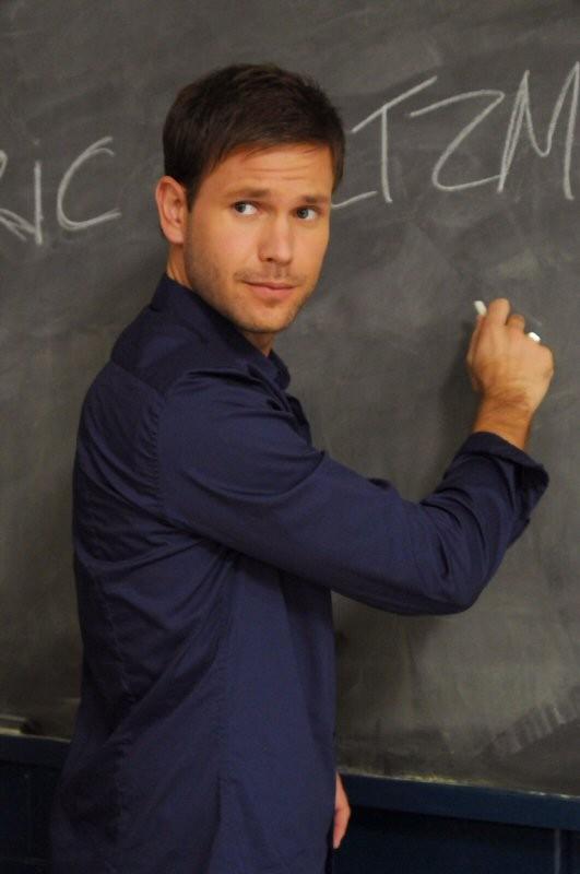 Matt Davis è Alaric Saltzman, il nuovo insegnante di storia nell'episodio History Repeating di The Vampire Diaries
