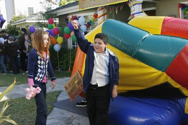 Modern Family: Rico Rodriguez in una scena dell'episodio Great Expectations