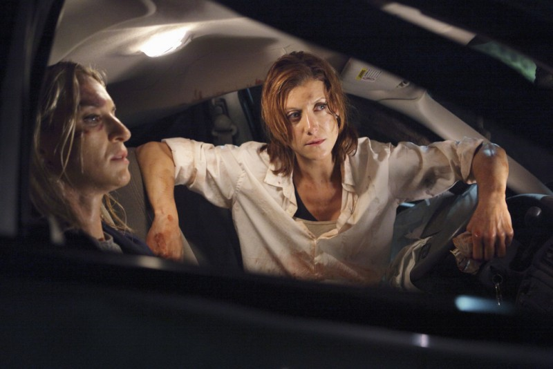 Private Practice: Kate Walsh ed Ever Carradine in una scena dell'episodio The Hard Part