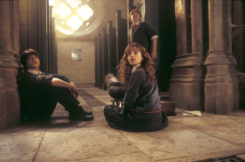 Rupert Grint, Daniel Radcliffe ed Emma Watson in una scena di Harry Potter e la Camera dei Segreti