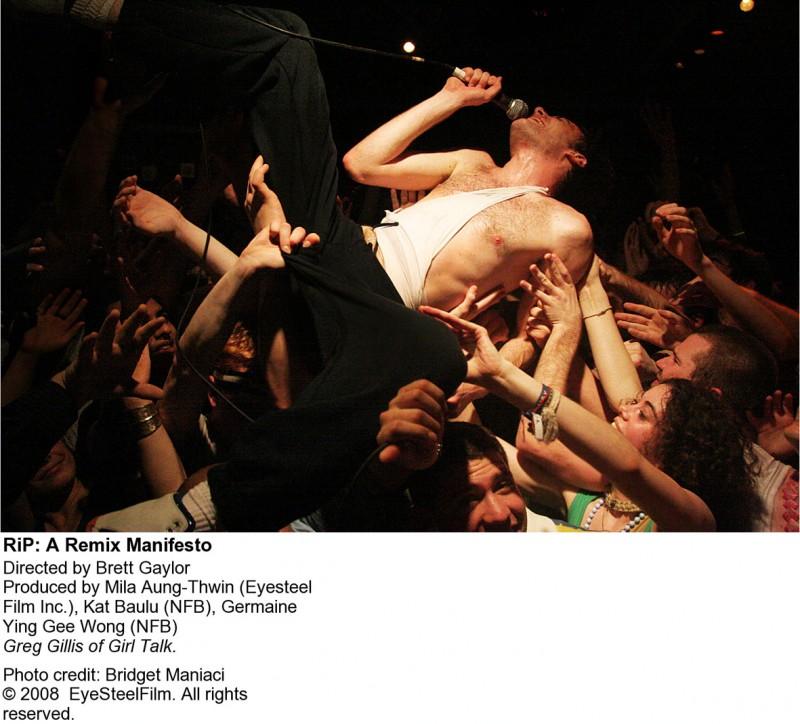 Un'immagine promo di RIP! - A REMIX MANIFESTO di Brett Gaylor (2009)