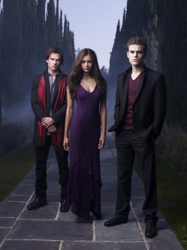 Una foto promo dei giovani protagonisti: Ian Somerhalder, Nina Dobrev e Paul Wesley della serie The Vampire Diaries