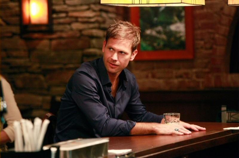 Alaric (Matt Davis) in una scena dell'episodio History Repeating di The Vampire Diaries