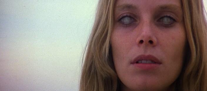 Cinzia Monreale in scena del film di Lucio Fulci E tu vivrai nel terrore - L\'aldilà ( 1981 )