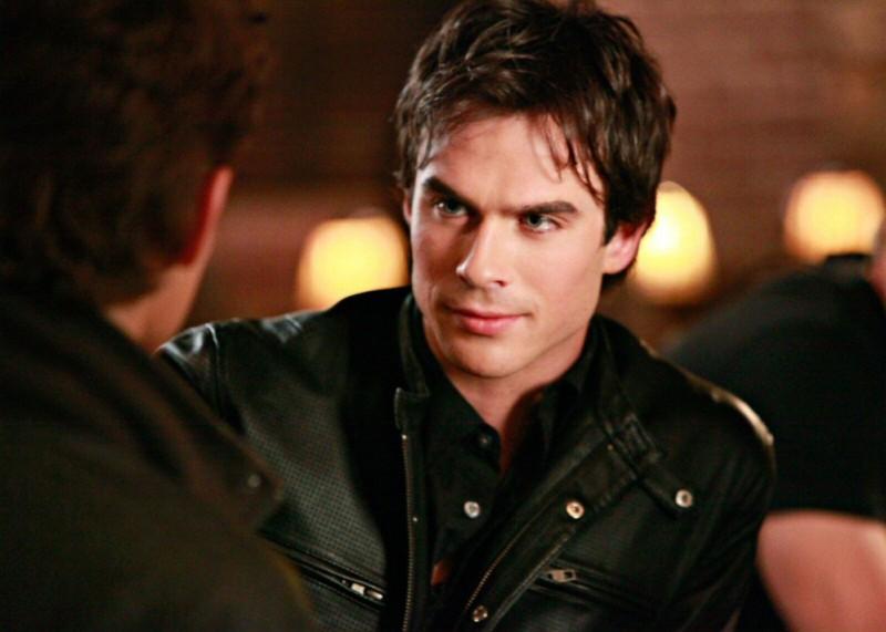 Damon (Ian Somerhalder)parla con suo fratello in un momento dell'episodio History Repeating di The Vampire Diaries