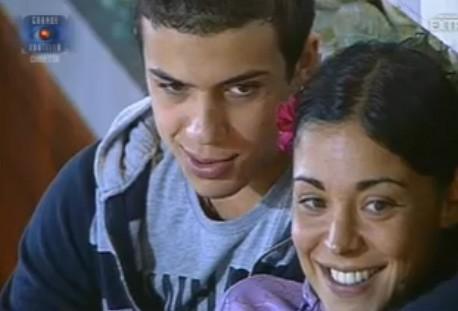 Grande Fratello 10: Marco e Carmela parlano in giardino