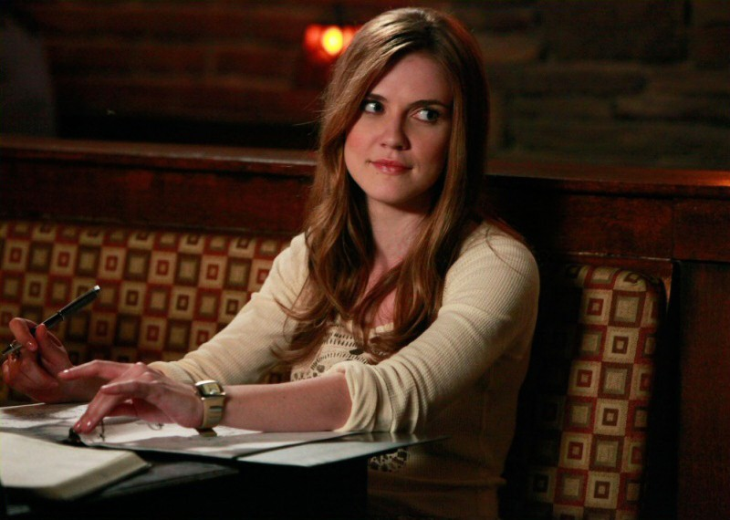 Jenna (Sara Canning) nell'episodio History Repeating di The Vampire Diaries