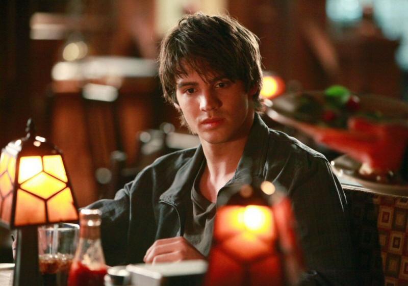Jeremy (Steven R. McQueen) in una scena dell'episodio History Repeating di The Vampire Diaries
