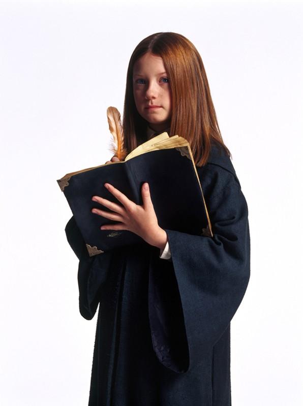 Ginny (Bonnie Wright) in una foto promozionale del film Harry Potter e la Camera dei Segreti