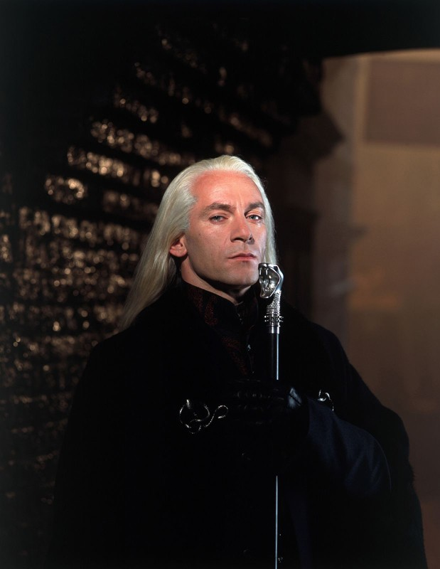 Lucius Malfoy (Jason Isaacs) in una foto promo del film Harry Potter e la Camera dei Segreti