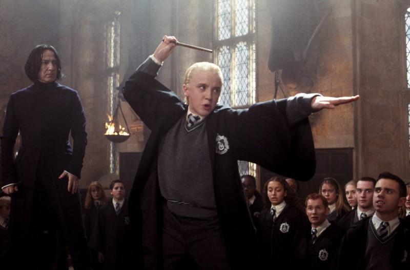 Alan Rickman e Tom Felton in una scena di Harry Potter e la camera dei segreti