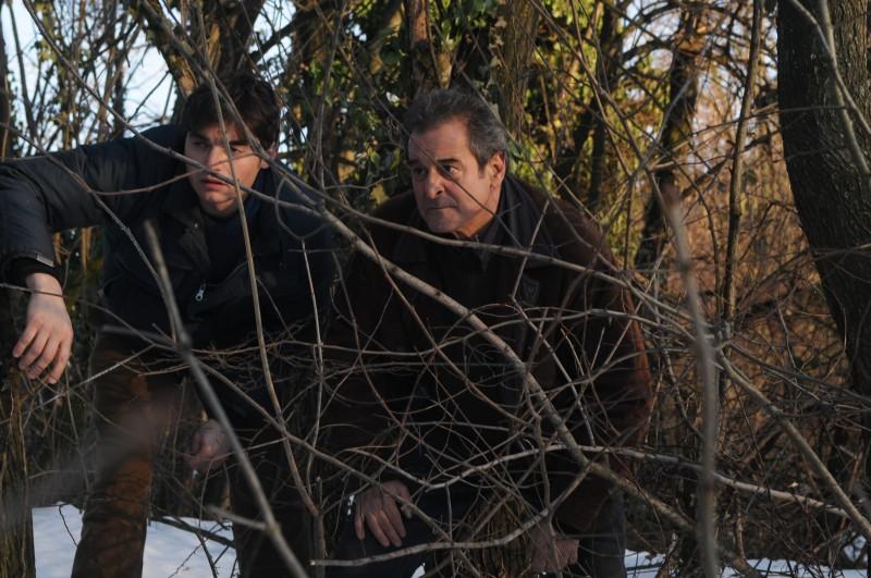 Ennio Fantastichini con Paolo Briguglia in una scena del film La cosa giusta (2009)