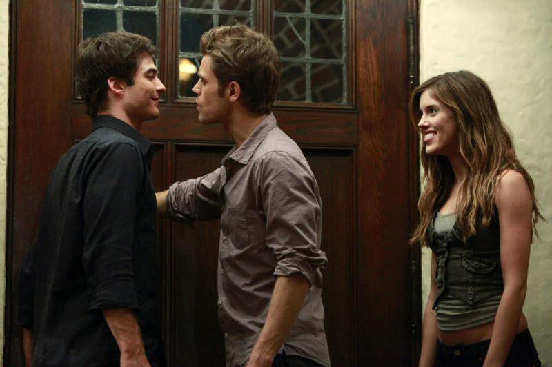 Ian Somerhalder, Paul Wesley e Kayla Ewell in una scena dell'episodio Haunted di The Vampire Diaries