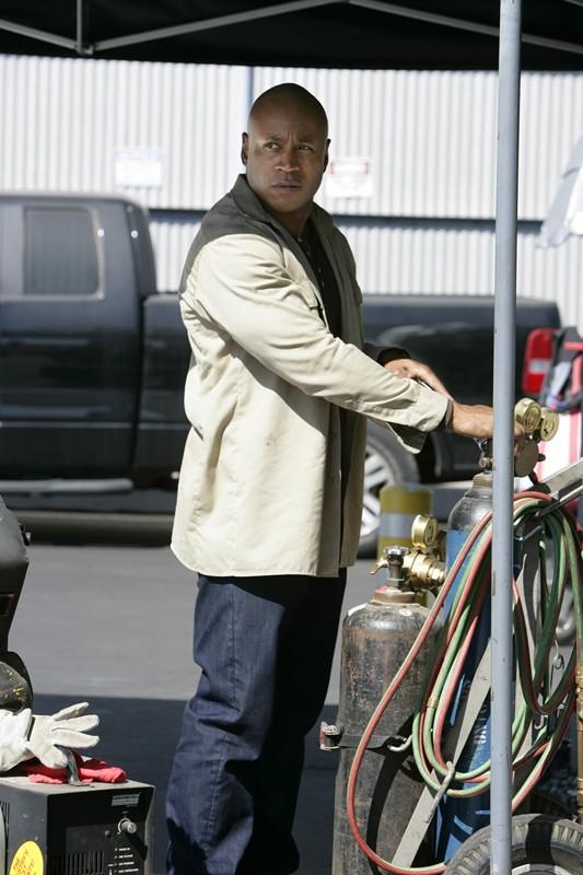 L'Agente Hanna (LL Cool J) in una scena dell'episodio Pushback di NCIS: Los Angeles