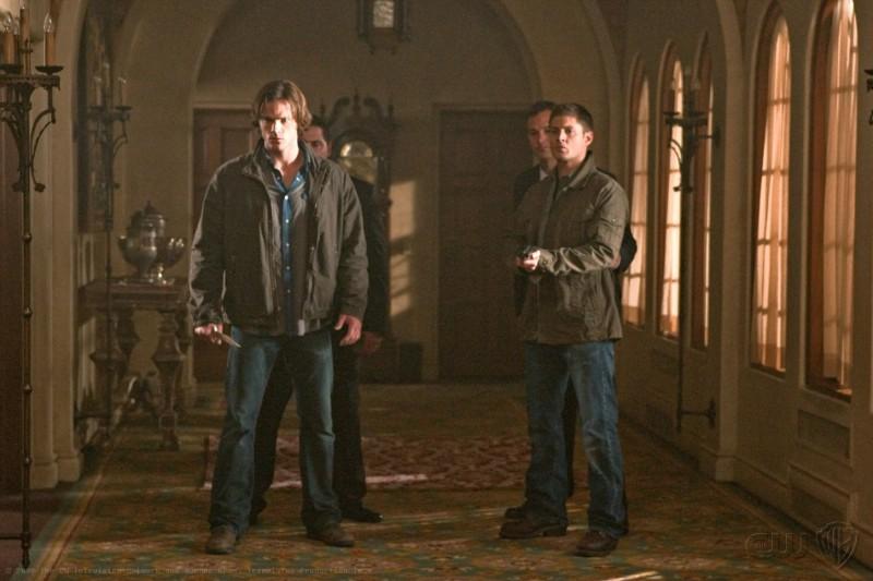 Supernatural: Jared Padalecki e Jensen Ackles nell'episodio Abandon All Hope...