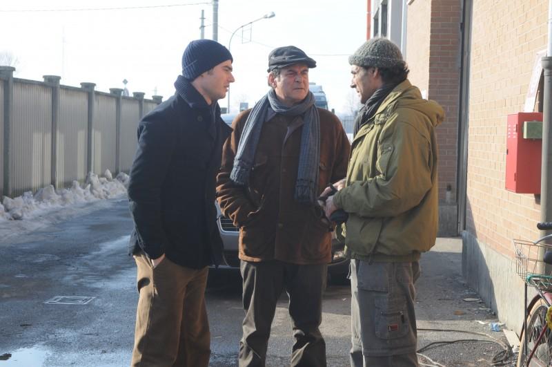 Ahmed Hefiane con Ennio Fantastichini e Paolo Briguglia in una scena del film La cosa giusta (2009)