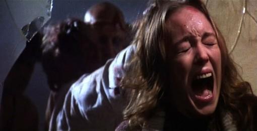 Catriona MacColl in una sequenza agghiacciante del film E tu vivrai nel terrore - L\'aldilà ( 1981 )