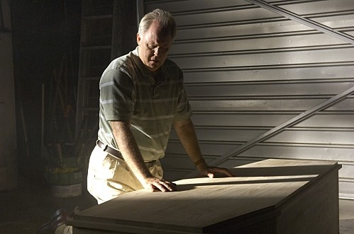 Dexter: John Lithgow in una scena ell'episodio Road Kill