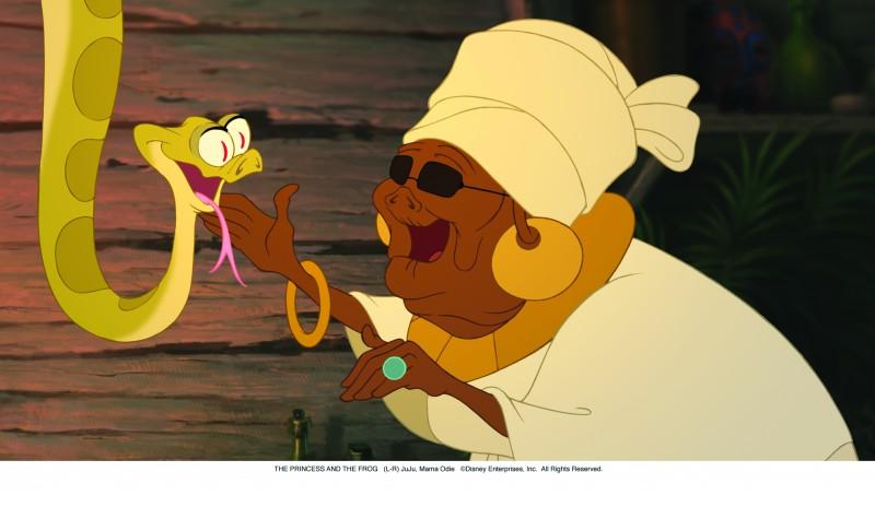 JuJu e Mama Odie in una scena del cartoon La principessa il ranocchio