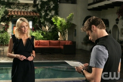 Melrose Place: Heather Locklear e Shaun Sipos nell'episodio June