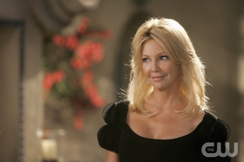Melrose Place: Heather Locklear in una scena dell'episodio June