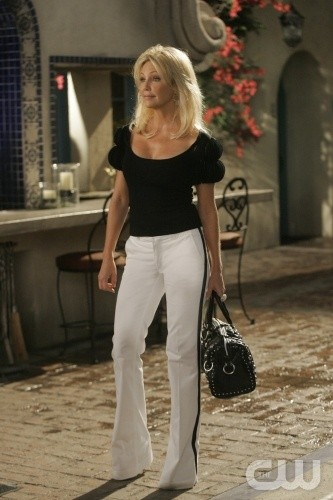 Melrose Place: Heather Locklear nell'episodio June
