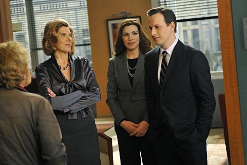 The Good Wife: Christine Baranski, Julianna Margulies e Josh Charles nell'episodio Threesome