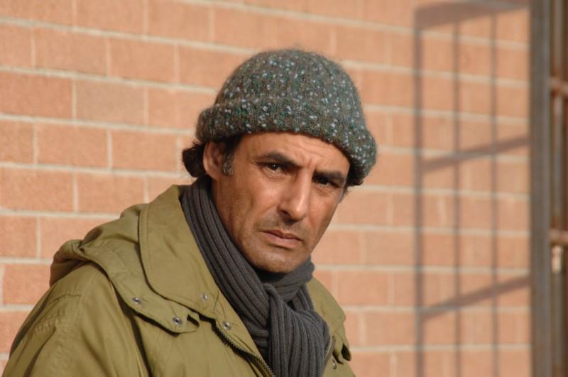 Un primo piano di Ahmed Hefiane in una scena del film La cosa giusta (2009)