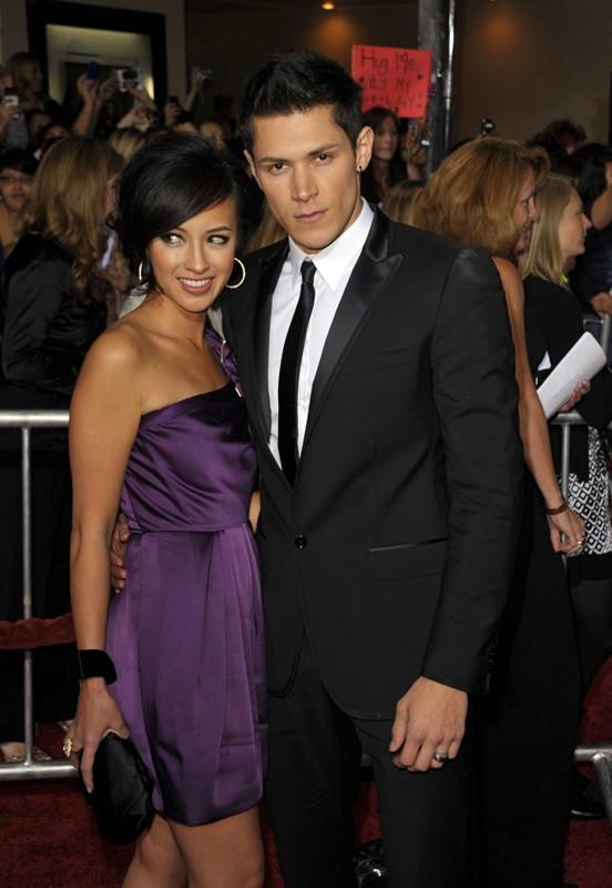 Alex Meraz e la moglie Kim alla premiere di The Twilight Saga: New Moon, a Los Angeles, il 16.11.2009