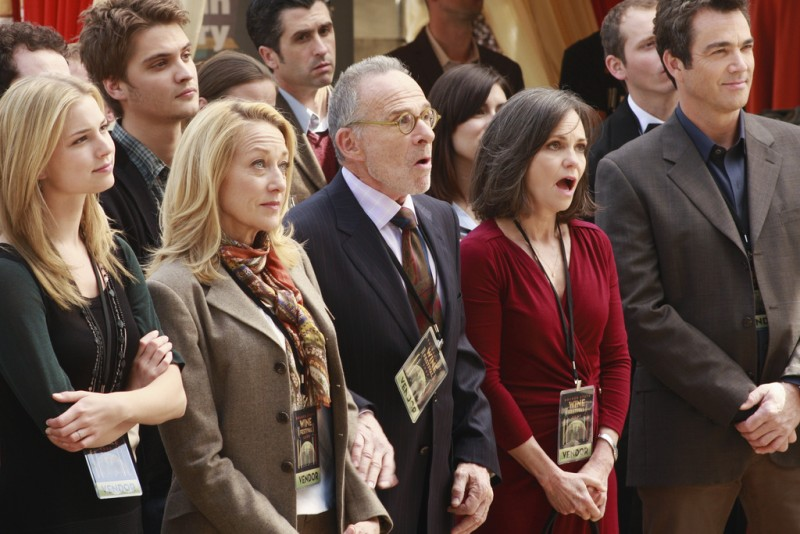 Brothers & Sisters: Emily VanCamp, Ron Rifkin e Sally Field nell'episodio The Wine Festival