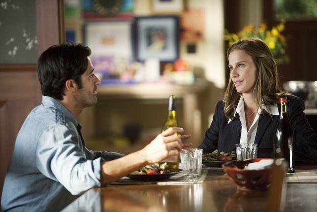 Brothers & Sisters: Rachel Griffiths e Gilles Marini nell'episodio The Wine Festival
