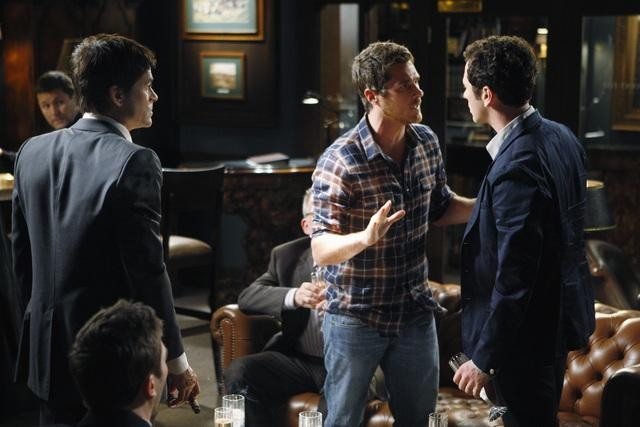 Brothers & Sisters: Rob Lowe, Matthew Rhys e Dave Annable nell'episodio Pregnant Pause