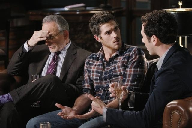 Brothers & Sisters: Ron Rifkin, Matthew Rhys e Dave Annable nell'episodio Pregnant Pause
