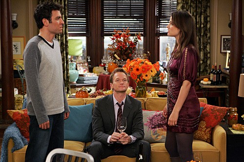 How I Met Your Mother: Josh Radnor, Neil Patrick Harris e Cobie Smulders nell'episodio Slapsgiving 2: Revenge of the Slap