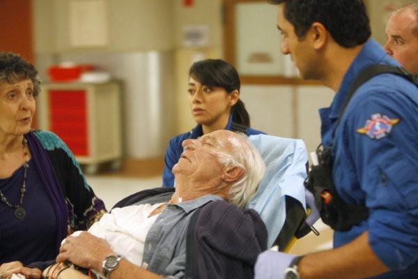 Trauma: Aimee Garcia e Cliff Curtis nell'episodio That Fragile Hour