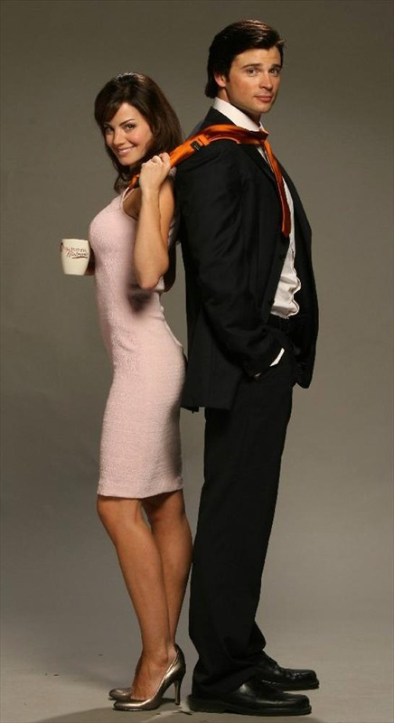 Erica Durance e Tom Welling in una foto promo per l'episodio Crossfire di Smallville