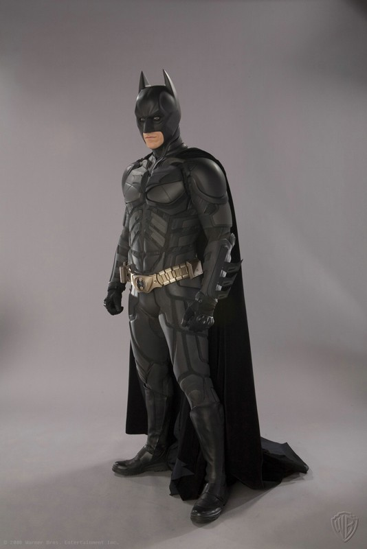 Christian Bale nei panni di Batman in una foto promozionale de 'Il Cavaliere Oscuro'